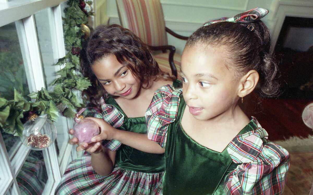 Beyonce and Solange Knowles, 1990.