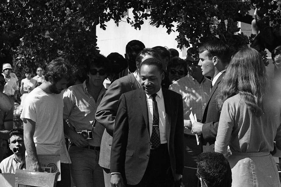 Martin Luther King Jr. speaks at U.C. Berkeley on May 17, 1967. The Upper Sproul Plaza speech about the Vietnam War drew thousands of students. Photo: Art Frisch, The Chronicle