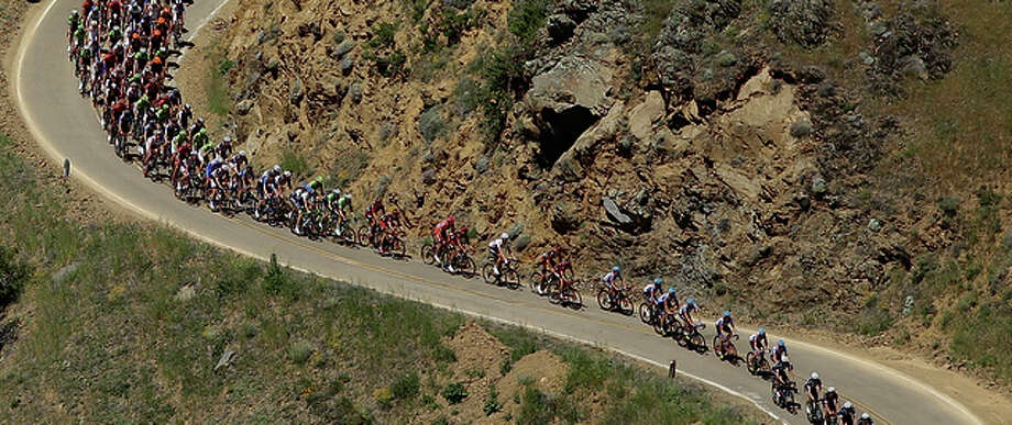The peloton climbs Mount Hamilton during stage three of the the 2014 Amgen Tour of California from San Jose to Mount Diablo on May 13, 2014 in San Jose. Photo: Ezra Shaw / Ezra Shaw / Getty Images (2014) / 2014 Getty Images