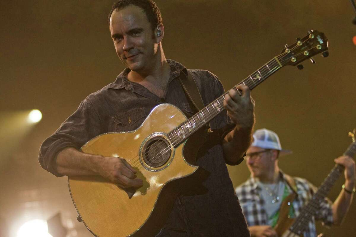 Dave Matthews performs with the Dave Matthews Band. ( Smiley N. Pool / Chronicle )