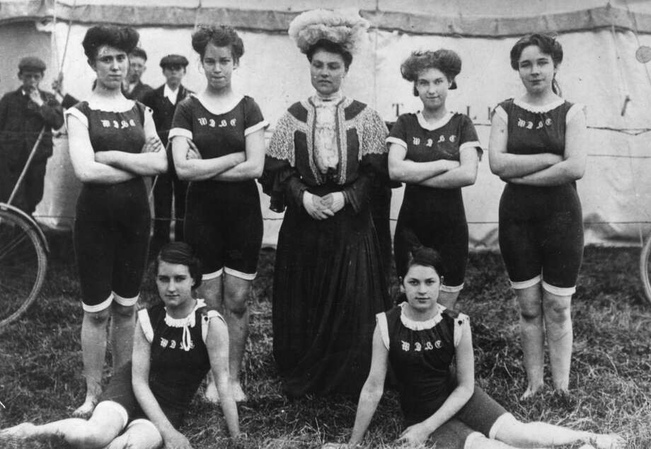Female competitors in the RSC swimming gala pose for a group portrait on July 21, 1906. Photo: Hulton Archive, Getty Images