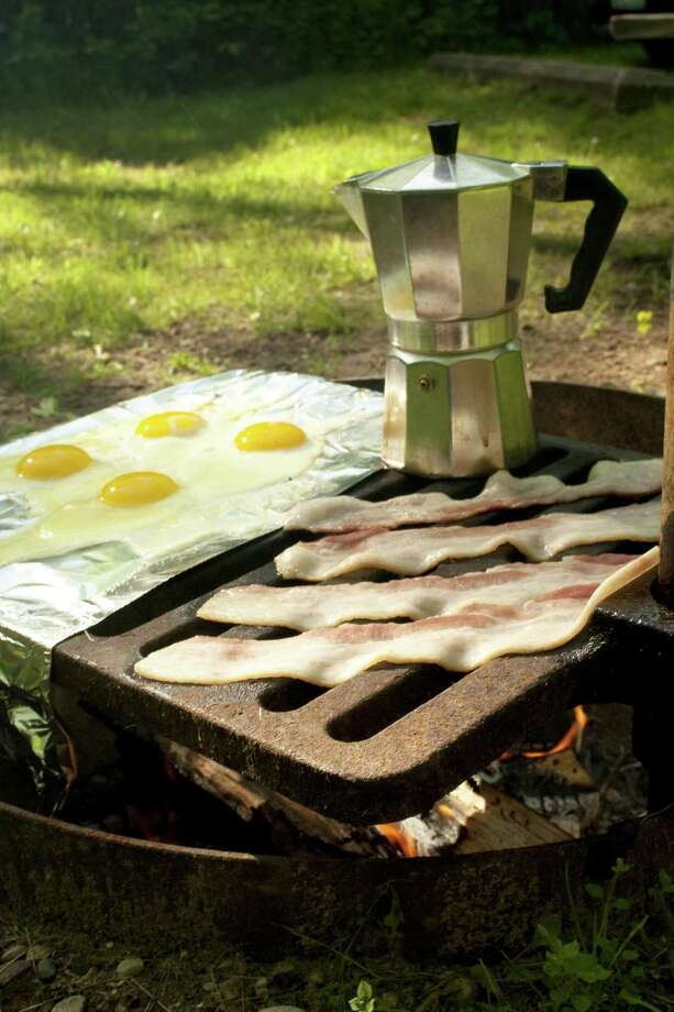campfire cooking Photo: Unknown / silverphotos - Fotolia