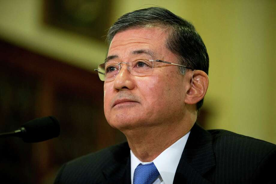 Veterans Affairs Secretary Eric Shinseki should listen to congressional leaders who are calling for his resignation. Photo: Evan Vucci, Associated Press / AP