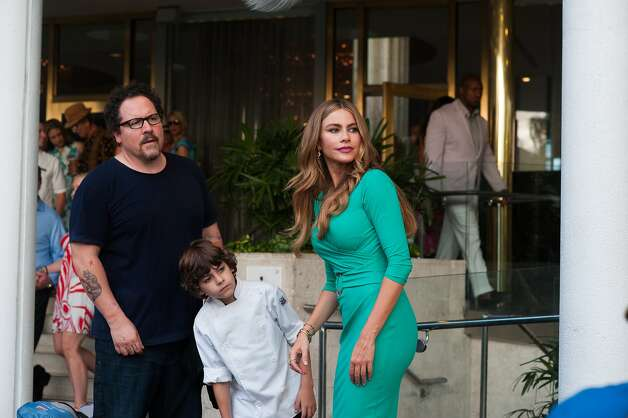 """Chef""IMDb: 7.8/10Rotten Tomatoes: 88 percent Jon Favreau as Carl Casper, Emjay Anthony as Percy Casper, and Sofia Vergara as Inez in ""Chef'. 'Chef' is written and directed by Jon Favreau. Photo: Merrick Morton, Open Road Films"