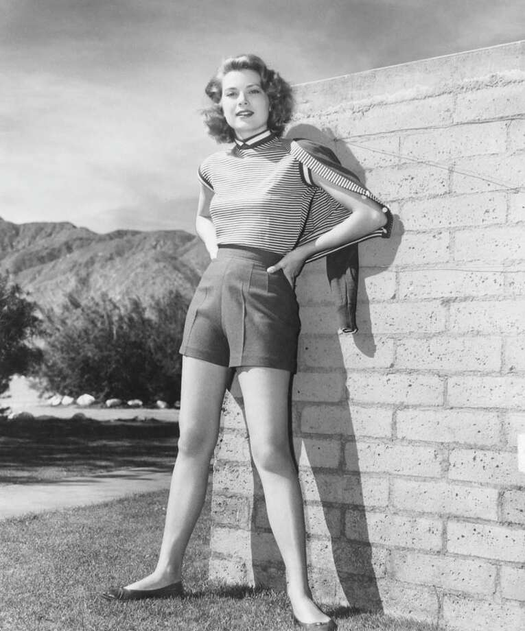 1954:Grace Kelly in her walking outfit, Palm Springs, California. Photo: Pictorial Parade, Getty / 2009 Getty Images