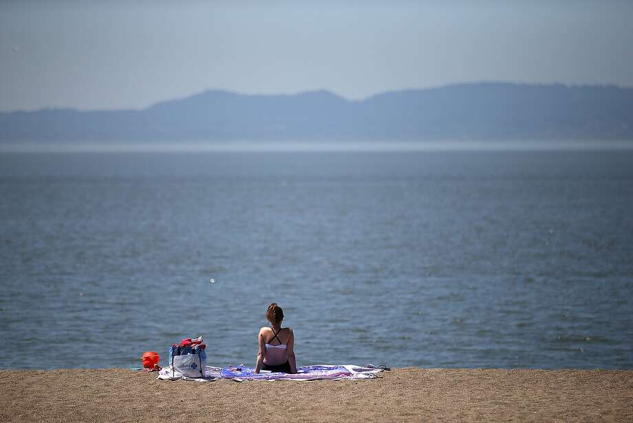 Today's cool temperatures will give way to warm, sunny weather by the upcoming holiday weekend. Photo: Justin Sullivan, Getty Images