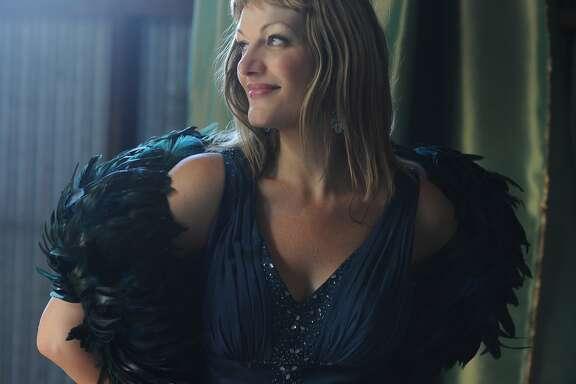Singer Suzanna Smith