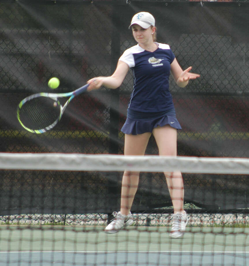 Notre Dame-Fairfield junior girls tennis singles player Hannah Londoner, of Westport, has fashioned a 9-4 record for the Lancers in her first year of playing competitive tennis, in high school or otherwise. Londoner plays at No. 1 singles and has qualified for the SWC and CIAC state class tournaments. Photo: Andy Hutchison / Fairfield Citizen