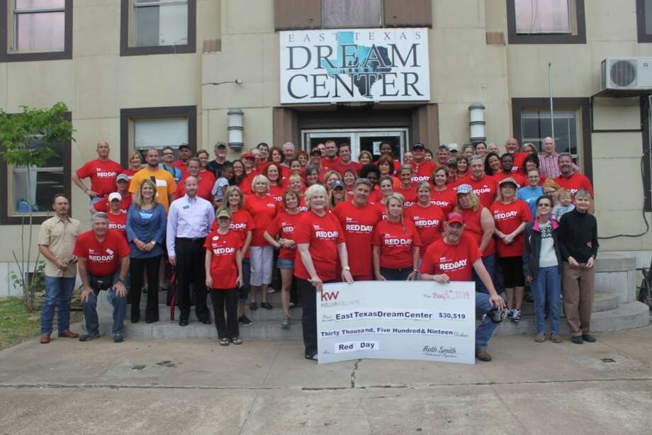 The event resulted in a presentation of $30,519 in cash and other donations, and helped restore the facility.
