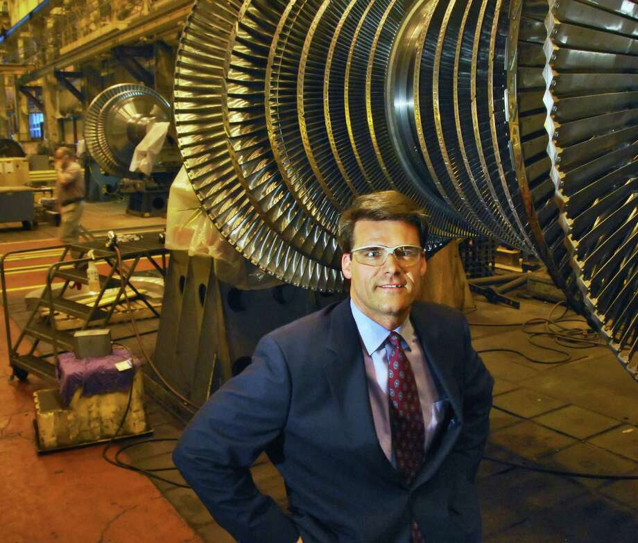 Steve Bolze, vice president, Power Generation, a division of GE Energy, on the factory floor in building 273, at the GE plant in Schenectady Wednesday morning, Sept. 26, 2007. (John Carl D'Annibale/Times Union) Photo: John Carl D'Annibale / Albany Times Union