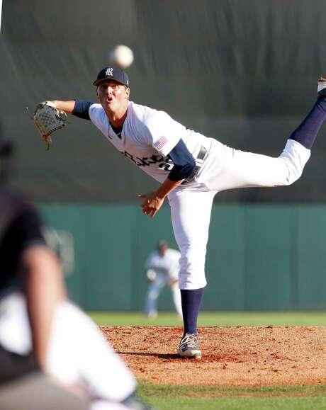 Rice starter Blake Fox combined on a two-hitter in a 3-0 victory over Louisiana Tech on Friday to run his record to 11-0 this season and 17-0 over two seasons. Photo: Craig Hartley, Freelance / Photos by Craig Hartley