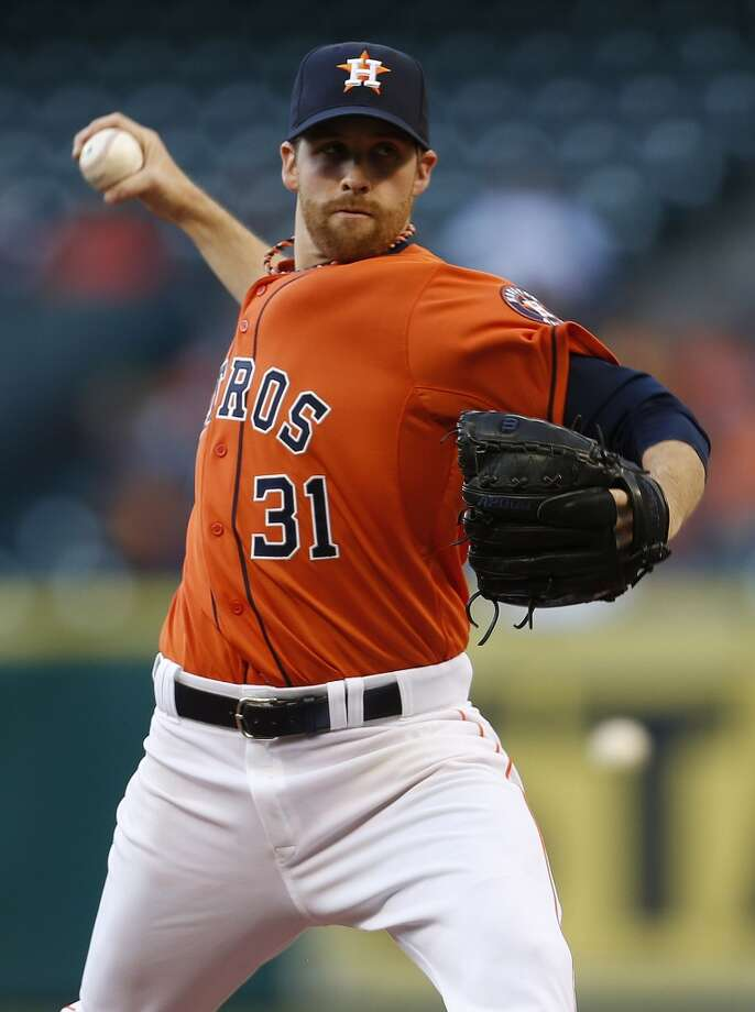 Collin McHugh (31) pitches in the first inning against the White Sox. Photo: Karen Warren, Houston Chronicle