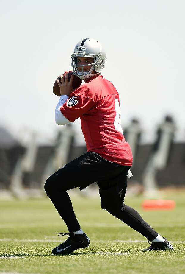 ALAMEDA, CA - MAY 16: Derek Carr #4 of the Oakland Raiders participates in drills during Rookie Minicamp on May 16, 2014 in Alameda, California. (Photo by Thearon W. Henderson/Getty Images) Photo: Thearon W. Henderson, Getty Images