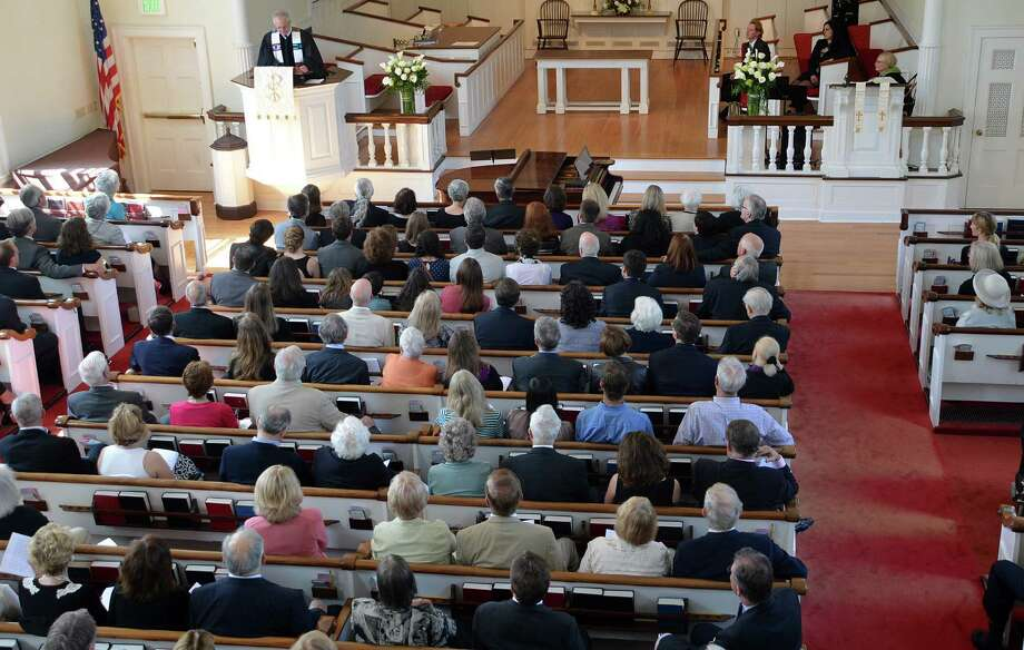 The sanctuary of Greens Farms Congregational Church was full Saturday for the memorial service celebrating the life of Allen Raymond Jr., who died May 1 at the age of 91. Photo: Jarret Liotta / Westport News