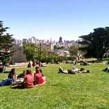 Meanwhile, on the north end of Alamo Sq Park -- peace and tranquility during Bay to Breakers.