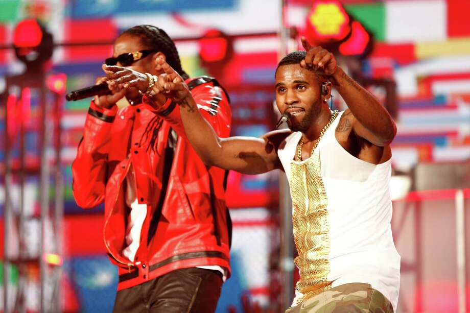 Recording artists 2 Chainz (L) and Jason Derulo perform onstage during the 2014 Billboard Music Awards at the MGM Grand Garden Arena on May 18, 2014 in Las Vegas, Nevada. Photo: Christopher Polk/Billboard Awards 2014, Getty Images / 2014 Christopher Polk/Billboard Awards 2014