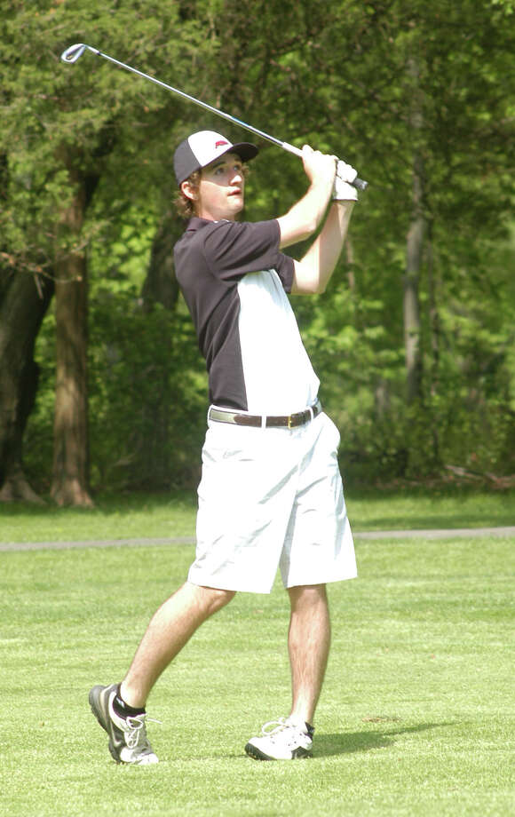 Fairfield Warde's Hunter Rempe had the Mustangs' low round, a 39, on Monday, May 19 in an FCIAC boys golf match at the H. Smith Richardson Golf Course. Warde defeated Ludlowe 161-170. Photo: Andy Hutchison / Fairfield Citizen