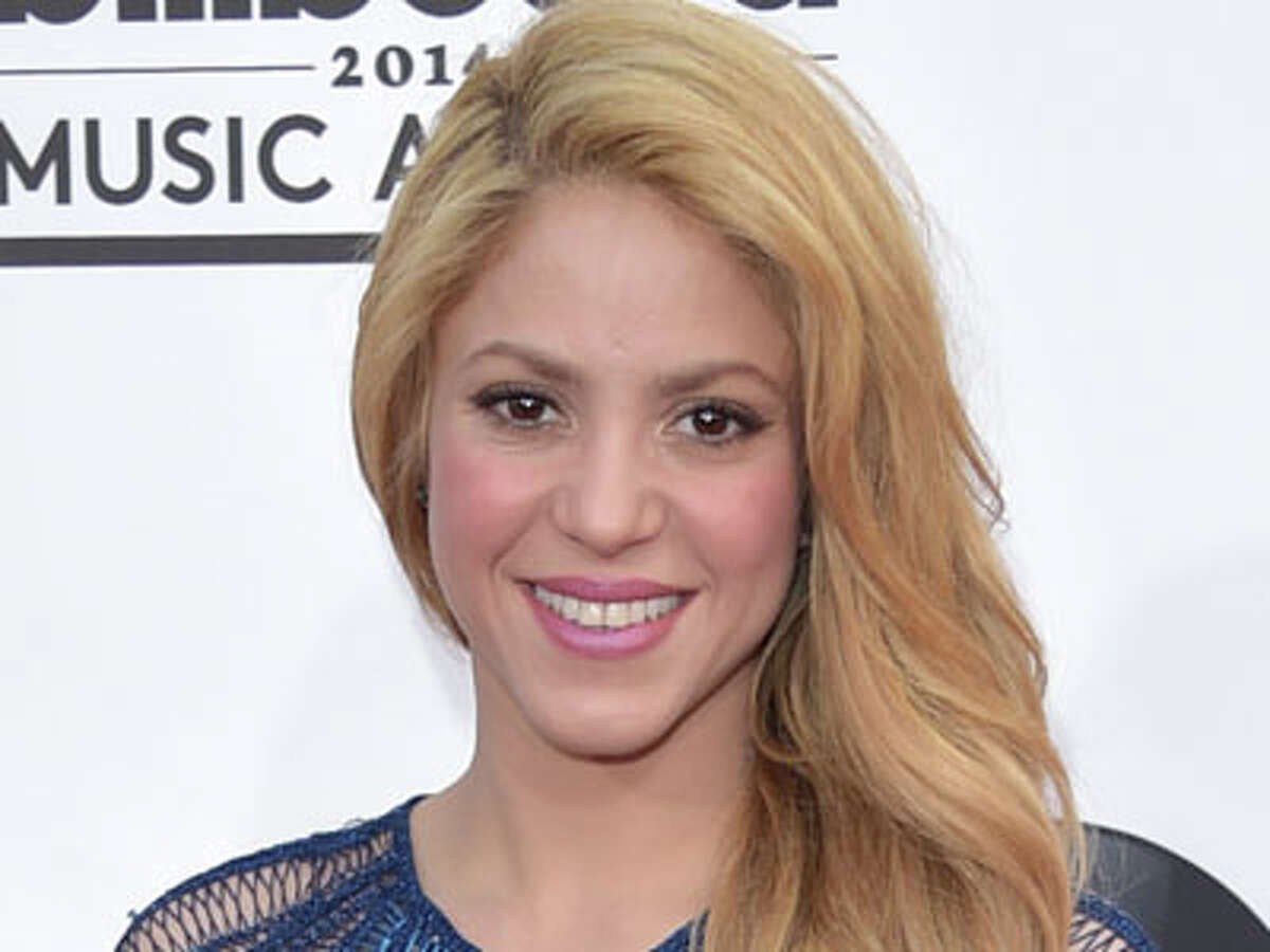 Shakira arrives at the Billboard Music Awards at the MGM Grand Garden Arena on Sunday, May 18, 2014, in Las Vegas.
