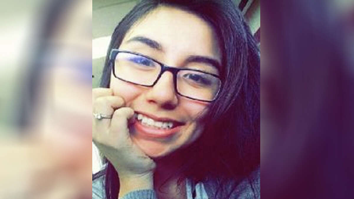 A series of text messages offered new details into the death ofJacqueline Gomez, the 17-year-old Aldine ISD senior found dead Saturday in a Houston motel room the morning after her prom