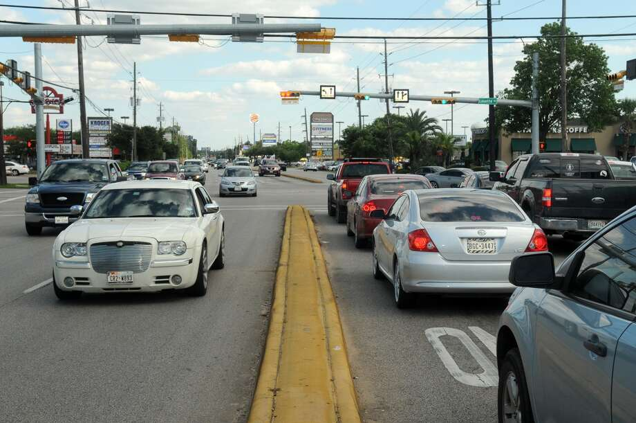 Harris County will start using a changeable lane system designed to ease congestion during peak traffic hours at the intersection of Kuykendahl and Louetta starting in June. Photo: Jerry Baker, Freelance