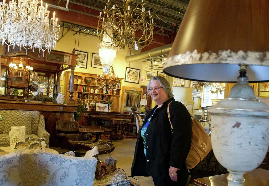Annmarie Vaccaro Watches Her Daughter In Law, Theresa Vaccaro, Shop For  Furniture