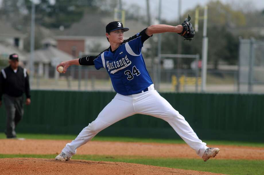 Friendswood junior Ryan Shetter and the Mustangs face Brenham at the Region III-4A semifinals at Katy High School this week. Photo: Jerry Baker, Freelance