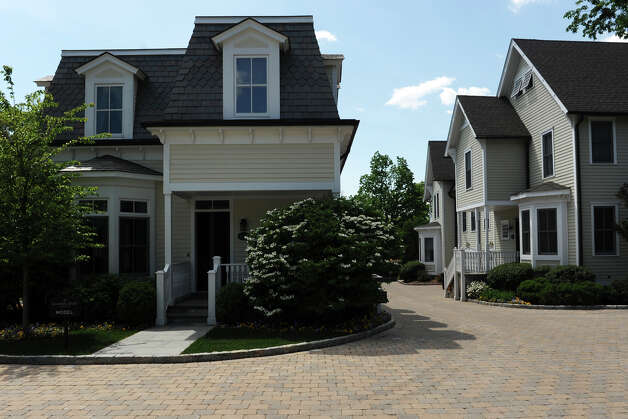 Refurbished milbank townhouses ready for sale greenwichtime for Greenwich townhomes for sale