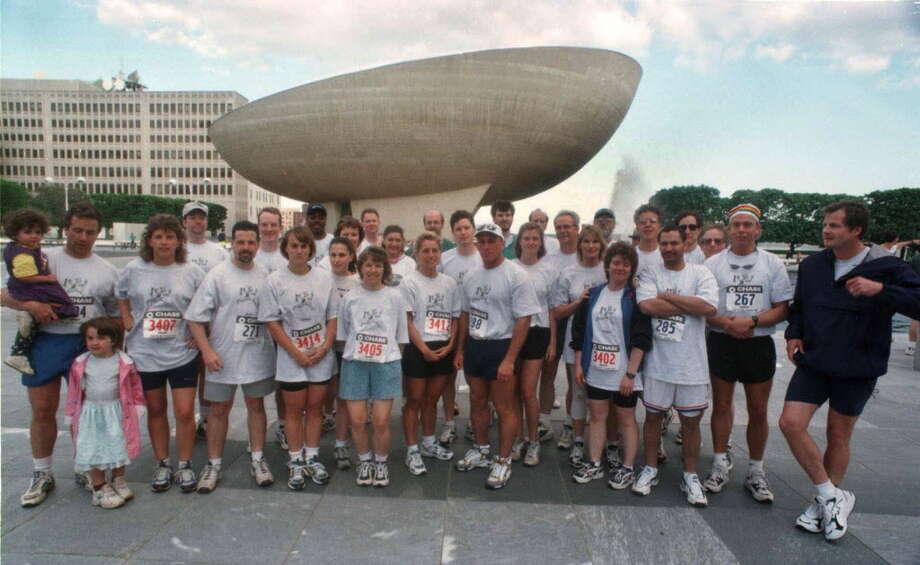 The Times Union race team for the 1998 Chase Corporate Challenge. (TImes Union archive) Photo: TOM LAPOINT / ALBANY TIMES UNION