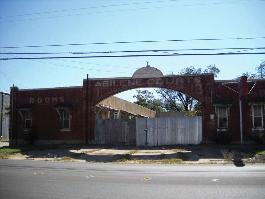 Abilene Courts (Taylor County)They were a 1930s tourist accommodation built along the historic Bankhead Highway. Photo: Preservation Texas