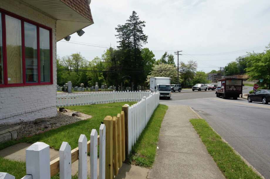 The Town Plan and Zoning Commission doesn't think a busy intersection is the right place for a miniature golf course. They turned down a compliance application Tuesday from Giant Steps for nine holes of mini-golf outside the toy store. Photo: Genevieve Reilly / Fairfield Citizen