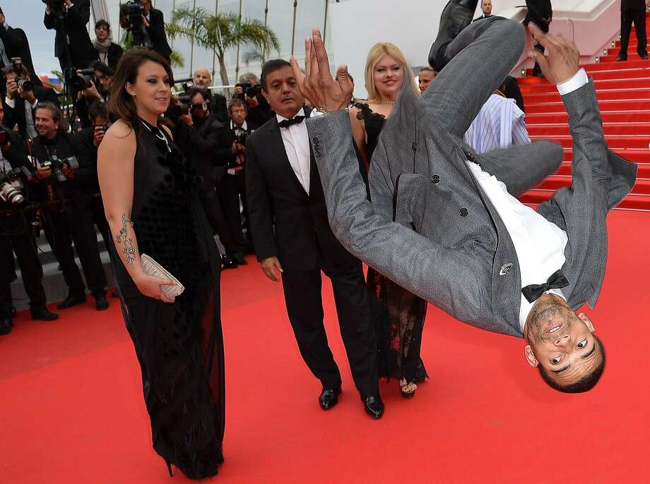 Yes, this is a totally appropriate place for you to practice your back flips, Brahim: 