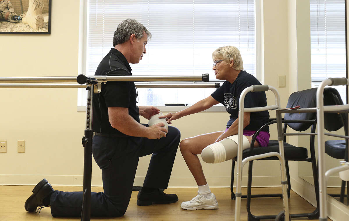 A reader praises prosthetist/orthotist Kirk Simendinger, shown here talking with patient Alma Bryand about her prosthetic leg at Bulow Orthotic & Prosthetic Solutions in San Antonio.