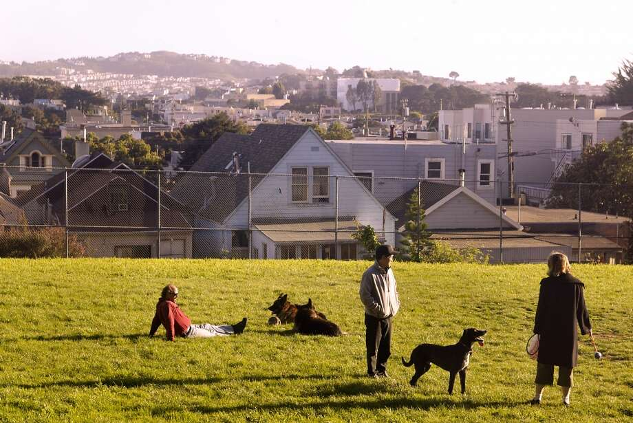 The Sunnyside Playground in S.F. has a few picnicking and BBQ areas. Photo: LIZ HAFALIA, SFC