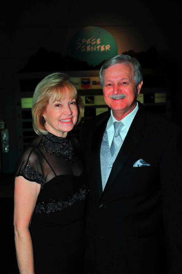The San Jacinto College Alumni Association advisory committee is led by Charles Grant, in the role of chairman. Shown is Grant and his wife, Gail.