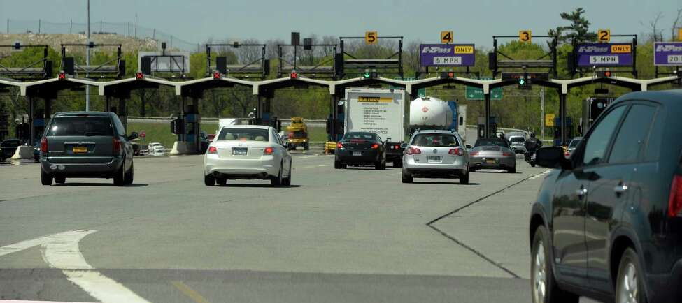 Cars queue up to go through the Exit 24 New York State Thruway interchange Wednesday afternoon May 21, 2014 in Albany, N.Y. (Skip Dickstein / Times Union)