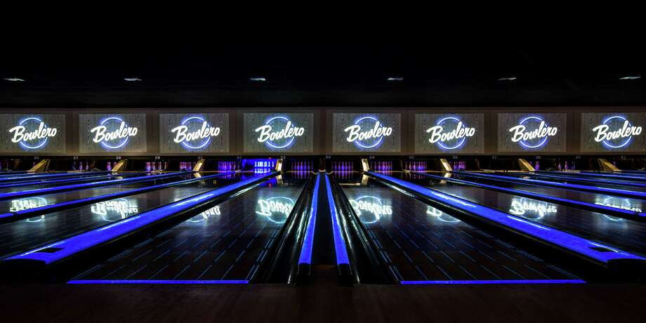 "A revamped ""retro-modern"" bowling alley will open its doors next week in the space formerly occupied by another North Side bowling spot.
