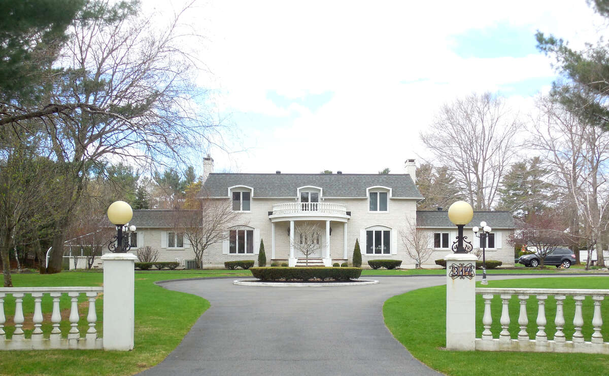 House of the Week: 314 Trinacria Court, Guilderland | Realtor: Anne Daley, CM Fox Real Estate | Discuss: Talk about this house