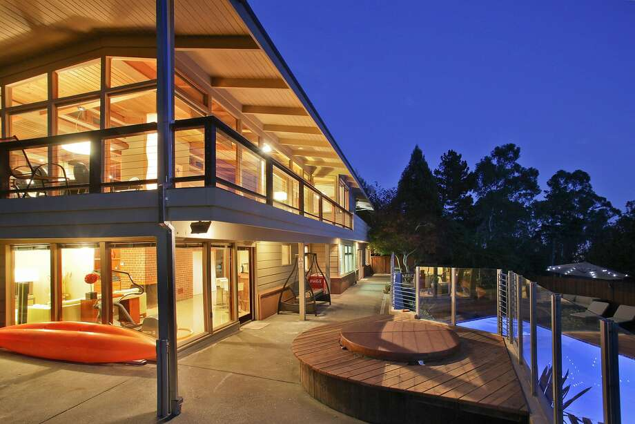 The two-story mid-century was built in the early 1950s and recently renovated. Photo: OpenHomesPhotography.com