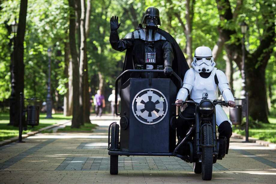 Kiev's mayoral candidate for the Internet Party, 'Darth Vader' arrives to speak to the media on Volodymyrska Hill on May 22, 2014 in Kiev, Ukraine. Ukraine's Presidential elections are to be held on Sunday 25 May. Photo: Dan Kitwood, Getty Images / 2014 Getty Images