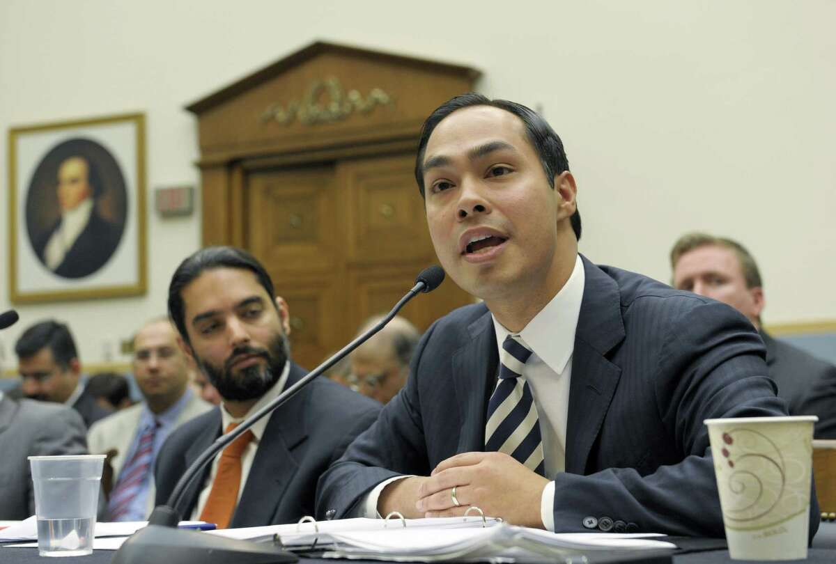 A reader compares Julián Castro's story to that of another Democrat.