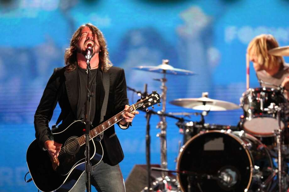 Foo Fighters: Dave Grohl and co. earn $500K+. Photo: Travis Bell, ABC Via Getty Images