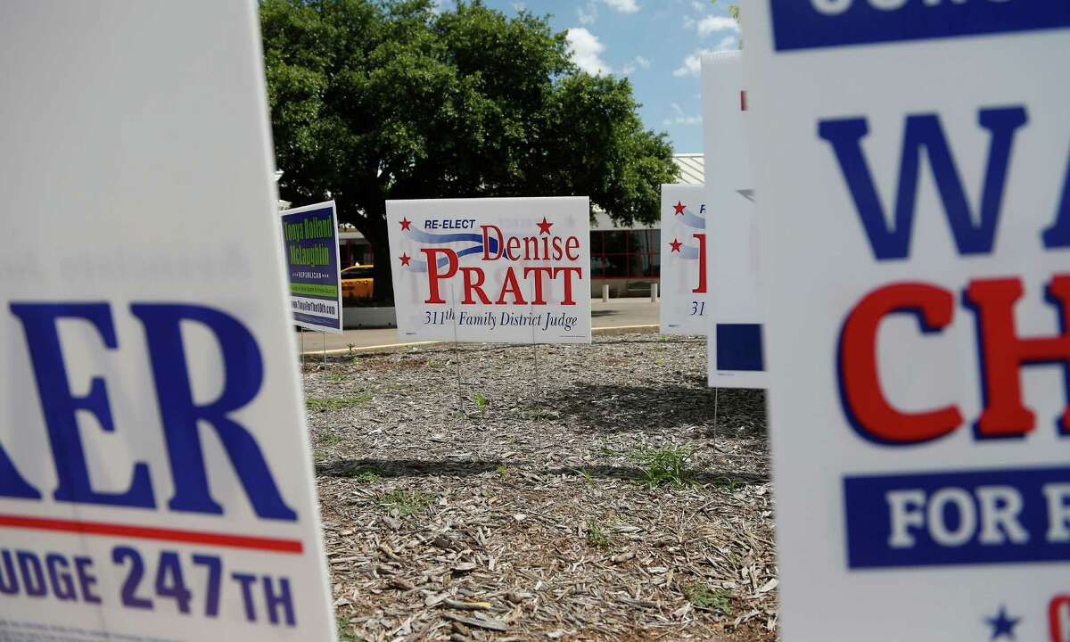 Ex-Judge Denise Pratt's campaign signs up at the Metropolitan Multi-Services Center, 1475 W Gray early voting location, Thursday, May 22, 2014, in Houston.
