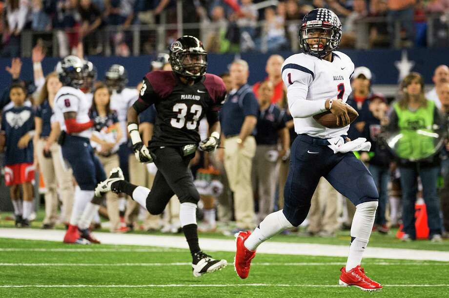 Allen quarterback Kyler Murray (1) coasts into the end zone after beating Pearland defensive back Jason King (33) on a 37-yard touchdown run during the second half of the Class 5A Division I State Championship game at AT&T Stadium Saturday, Dec. 21, 2013, in Arlington.  Allen won the game 63-28. Photo: Smiley N. Pool, Houston Chronicle / © 2013  Houston Chronicle