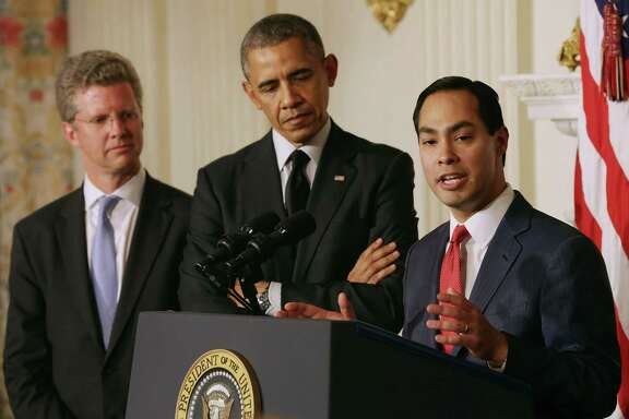 WASHINGTON, DC - MAY 23:  San Antonio, Texas, Mayor Julian Castro (R) delivers remarks after U.S. President Barack Obama (C) announcee his nomination of Castro to lead the Department of Housing and Urban Development and Shaun Donovan (L) as the nominee to head the Office of Management and Budget in the State Dining Room at the White House May 23, 2014 in Washington, DC. If confirmed, Castro would be replacing Donovan at HUD.