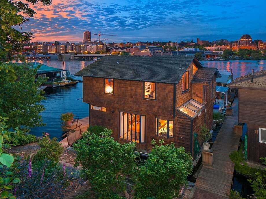 View of 3146 Portage Bay Place E., Unit A. Photo: Clarity NW Photography, Courtesy Chris Sudore/Coldwell Banker Bain