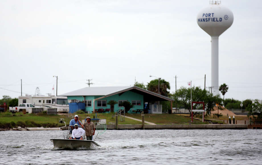 PORT MANSFIELD (saltwater): Trout are good on topwaters on the edge of the channel and around sand and grass. Redfish are fair to good while wading shallow flats on small topwaters and Gulps. Photo: EDWARD A. ORNELAS, San Antonio Express-News / © SAN ANTONIO EXPRESS-NEWS (NFS)