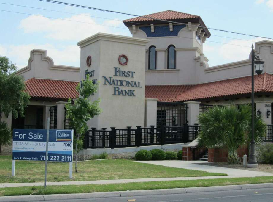 """The former First National Bank branch at 1800 W. Commerce St. was called a """"Taj Mahal"""" by a rival banker. Photo: Patrick Danner / San Antonio Express-News"""