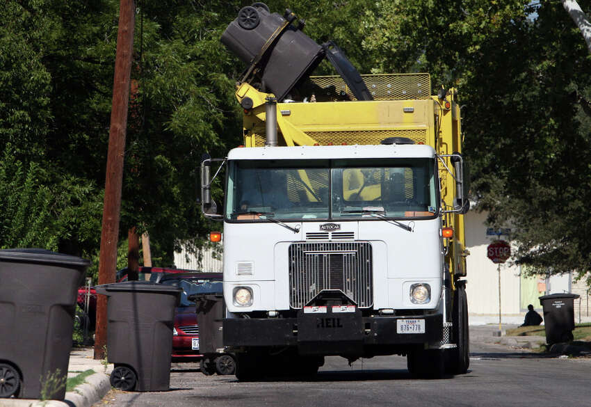 Garbage, recycling, brush recycling curbside pickup - Regular schedule