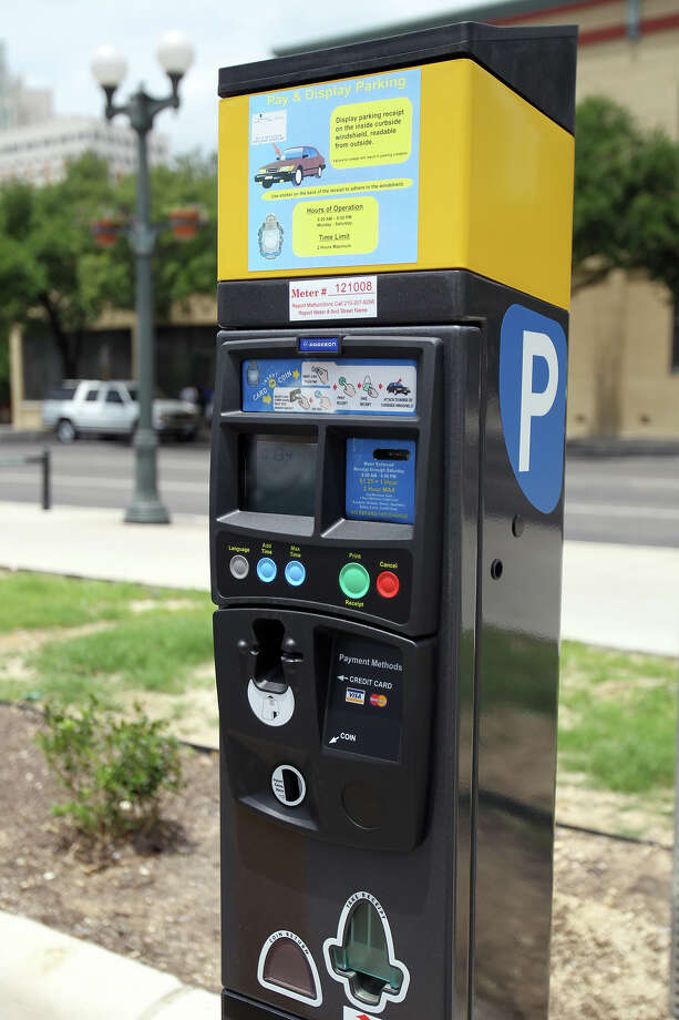 The city is trying to help downtown businesses bounce back by taking the hassle out of paying for parking. Photo: Jennifer Whitney, For The San Antonio Express-News / spoecial to the San Antonio Express-News