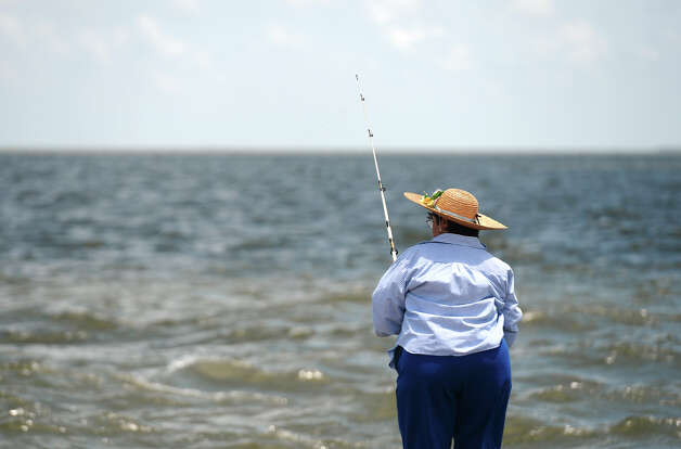 Photos saturday fishing on pleasure island beaumont for Sabine lake fishing